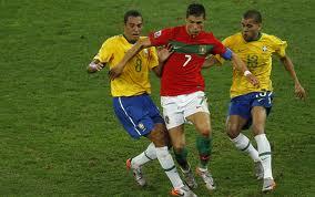 Un'azione dell'amichevole 2008 fra Brasile e Portogallo